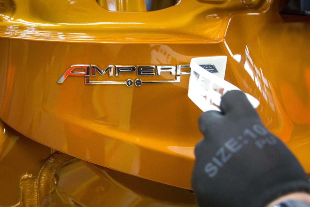 Letztes Detail: Der Schriftzug des Opel Ampera-e