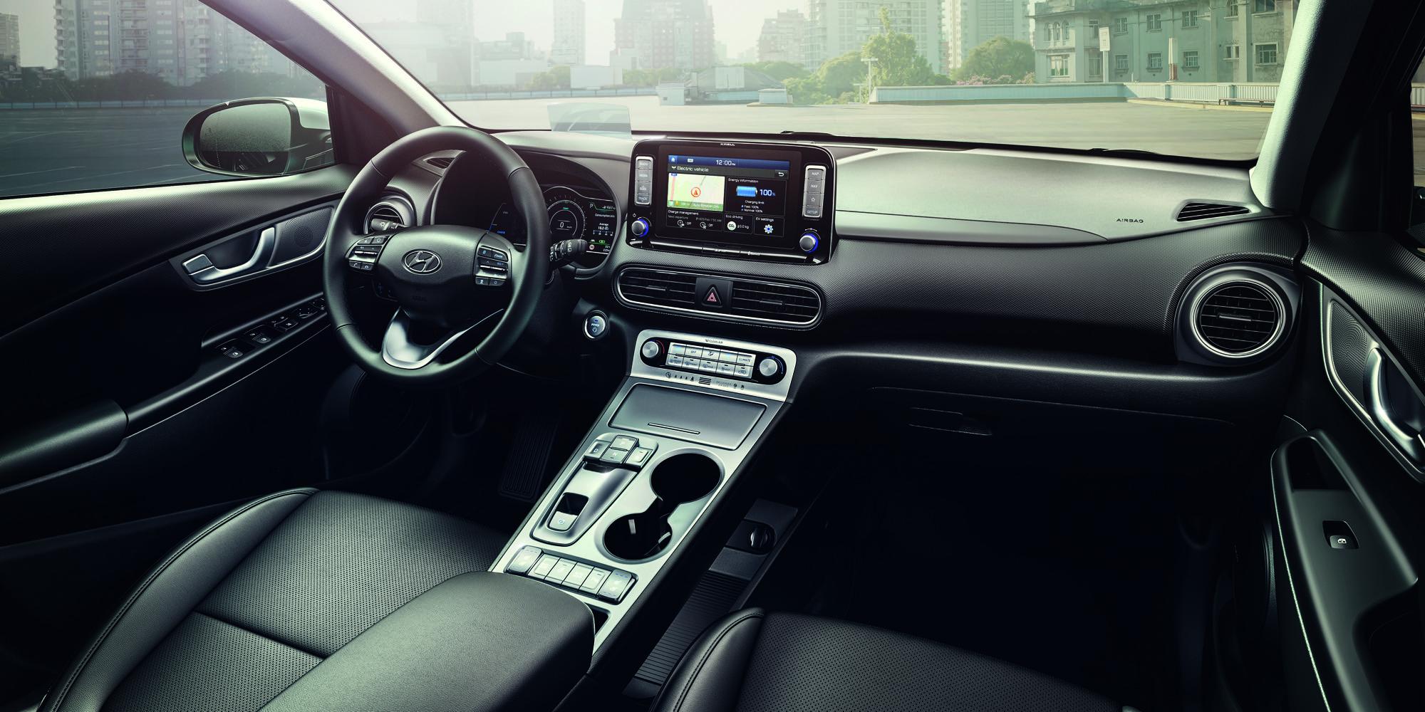 Das Interieur des Hyundai Kona Elektro bietet Hightech wie die Drive-by-Wire Schaltung mittels Tasten