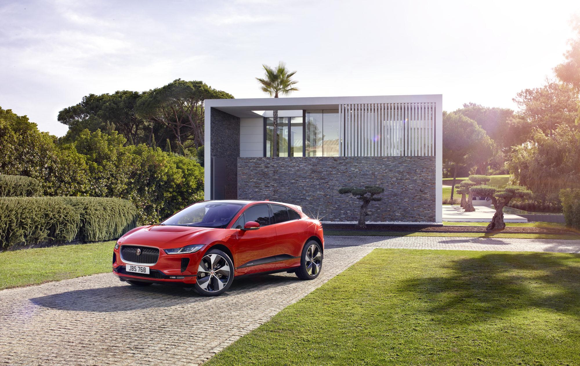 Der Jaguar I-PACE bietet eine Reichweite von bis zu 480 km und wird preislich bei knapp 78.000 Euro starten