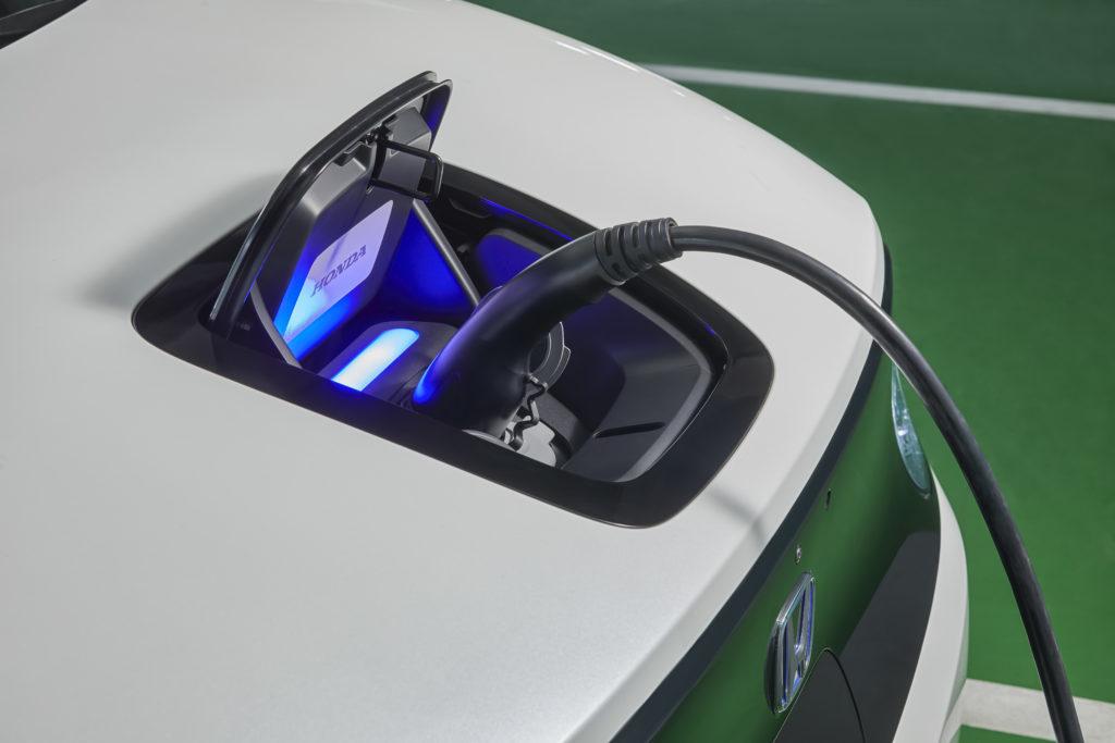 Der Honda e lädt an AC mit bis zu 6,6 kW, an DC-Säulen mit bis zu 50 kW - mehr als genug