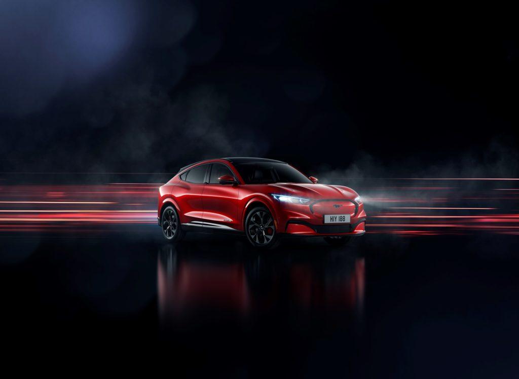 Sportlich gut aussehender E-Crossover Ford Mach-e