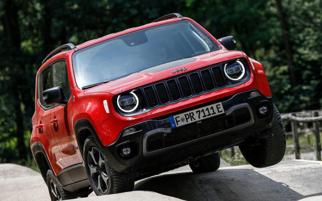 Jeep Renegade Trailhawk 4XE – Auf Schleichfahrt im Gelände
